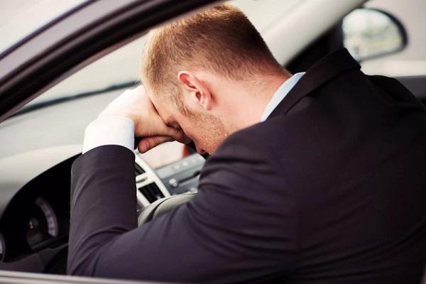 Рекомендуется отказаться от управления автотранспортными средствами